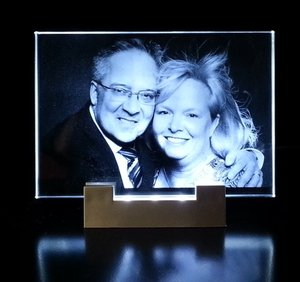 Photo engraved in Optiwhite Glass 130x90x8 mm incl. LED Lighting