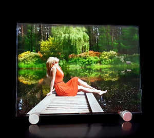 Crystal Photo in Color 180x130x8mm with aluminium stand