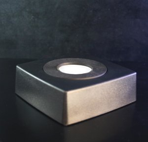 Lighting in black plastic, white or yellowish replaceable LED, 85x85 mm