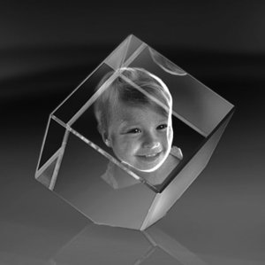 Cube with a cut corner 80x80x80 mm (1 face)