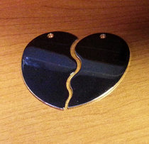 Delat Hjärta nickelpläterat 50x45x1,5mm