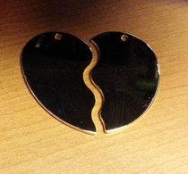 Delat Hjärta guldpläterat 50x45x1,5mm